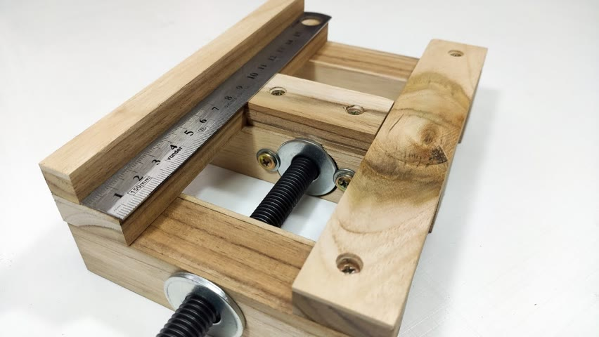 A Woodworking Tool to Save You Money - Bench vise – Woodworking