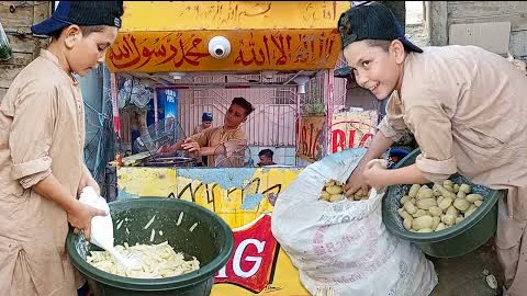 13 Years Old Kid Making Crispy French Fries | Hardworking Afghani Boys | Perfect Crispy French Fries