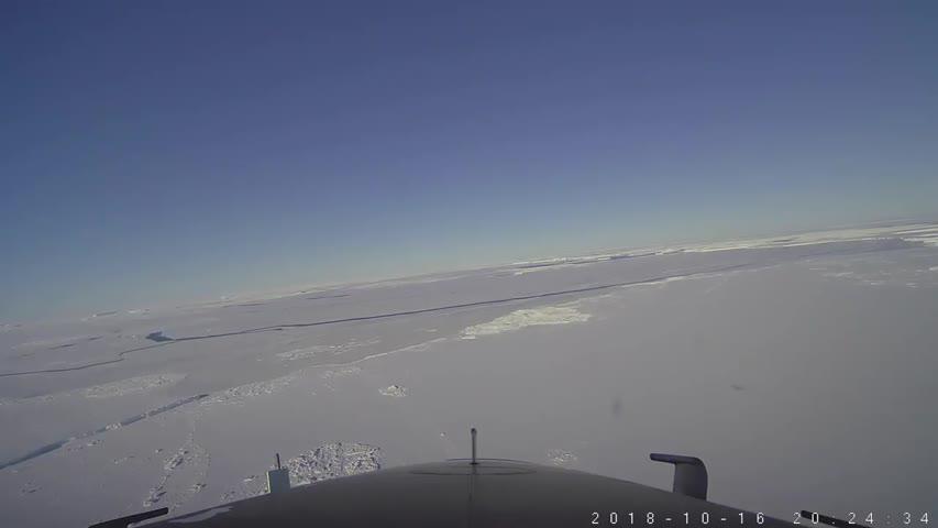 La NASA publica más fotos del extraño iceberg rectangular que apareció en la Antártida