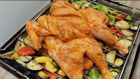 Zum Finger ablecken! Fantastisches Hähnchen mit Beilage im Backofen zubereiten!