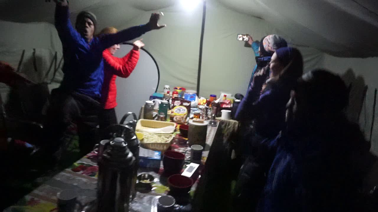 Everest Base Camp - DANCE PARTY - Everest Experts style