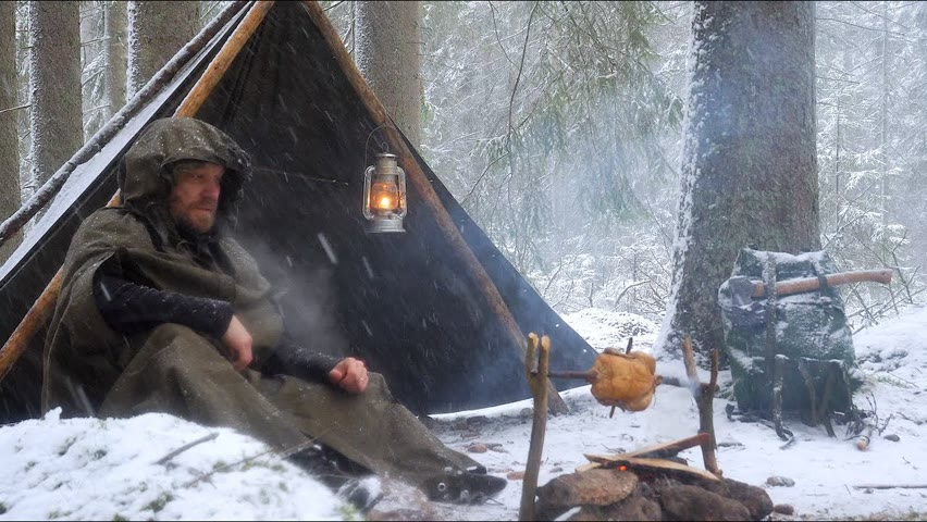 4 Days Winter Bushcraft in Snow, High Winds and Rain - Canvas Poncho Shelter - Vintage Wild Camping