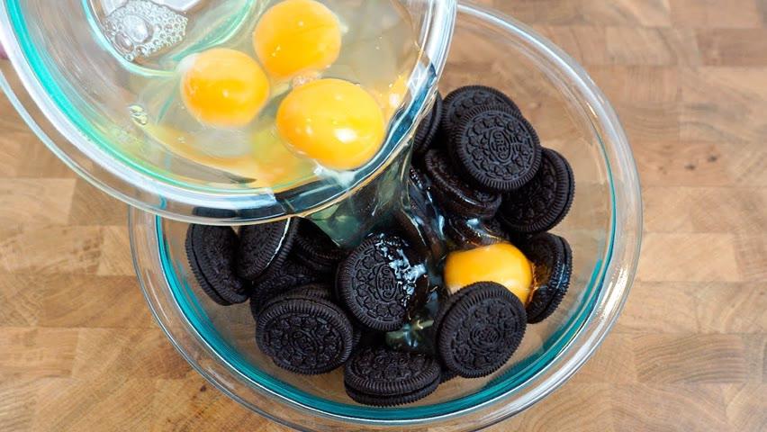 Agregue huevos a las galletas oreo ¡Te gustará el resultado!