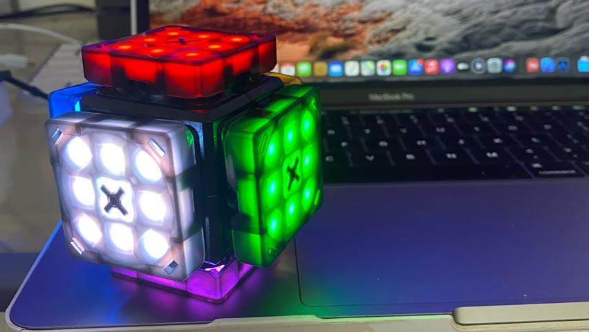 Electronic Rubik's Cube Performs Jingle Bells!!