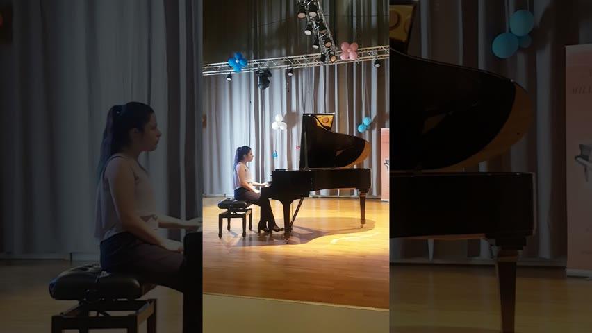 Bach- Prelude and Fugue No4  in c sharp minor