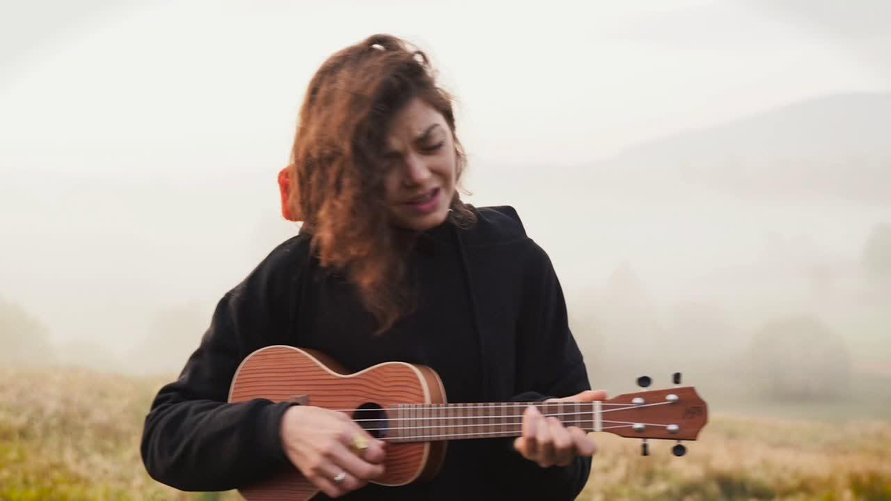 Natalia Kwiatkowska - all of my weaknesses (Live)
