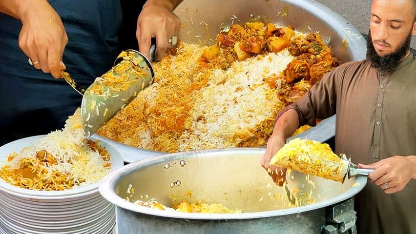 Best Chicken Biryani in Karachi   Chicken Degi Biryani   People Are Crazy For Chicken Biryani