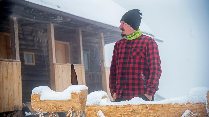 IARNA în luna MARTIE la CABANĂ   Bere HomeMade   Natură Înghețată   OFF ROAD pe Zăpadă