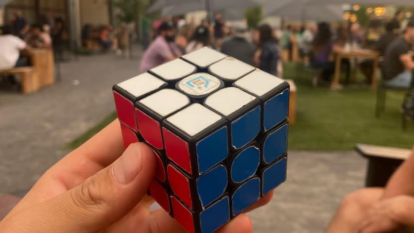 Fast Rubik's cube finger tricks!!