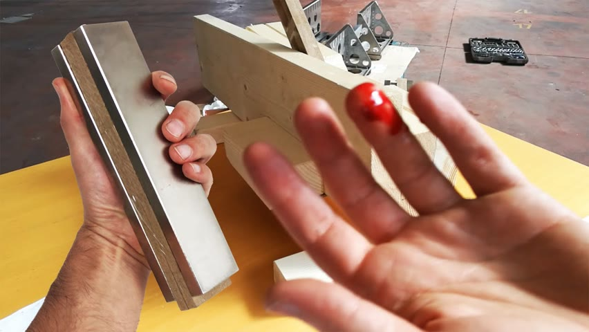 Dangerous Magnets, Accidents and Fails   Magnetic Games
