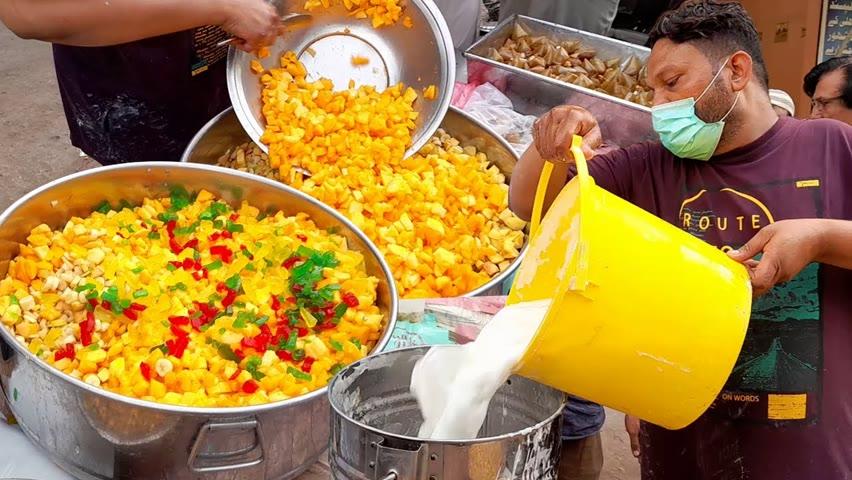 Amazing Yogurt Fruit Salad | Roadside Decorated Fruit Chaat | Ramadan Street Food In Karachi