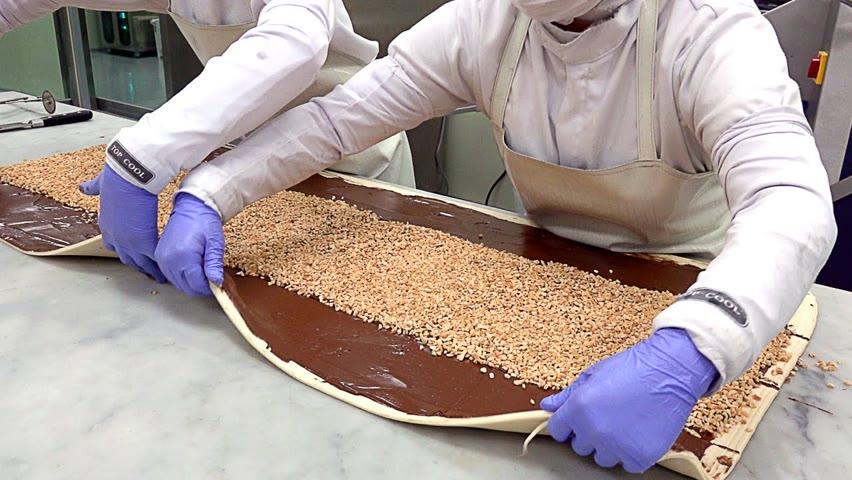 빵공장의 압도적 대량생산 현장! 누텔라 페스츄리 꽈배기 만들기 Making Nutella Peanut Pastries - Bread Factory in Korea