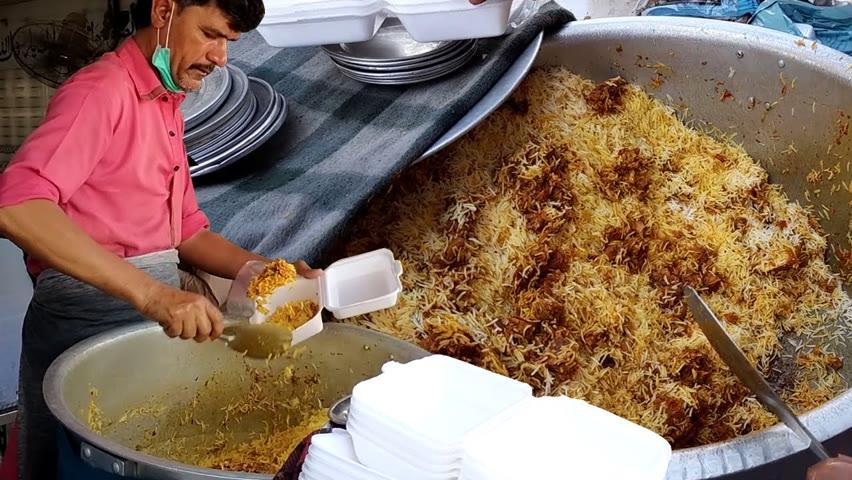 North Karachi Khatri Biryani | People Are Crazy For Beef Biryani | Pakistani Street Food