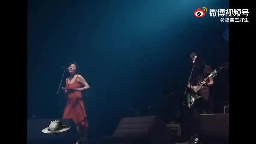 張薔&新褲子樂隊《路燈下的小姑娘》