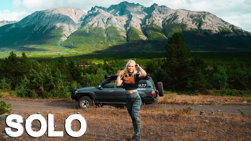 I CAN'T BELIEVE WHAT I SAW   Solo Female Overlander   Toyota Landcruiser 100 Series