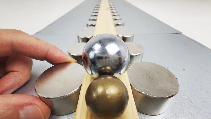 Homemade Railgun   Magnetic Games