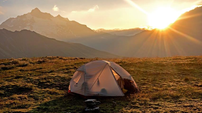 O noapte la cort în SĂLBĂTICIA ALPILOR - TMB Ep 3