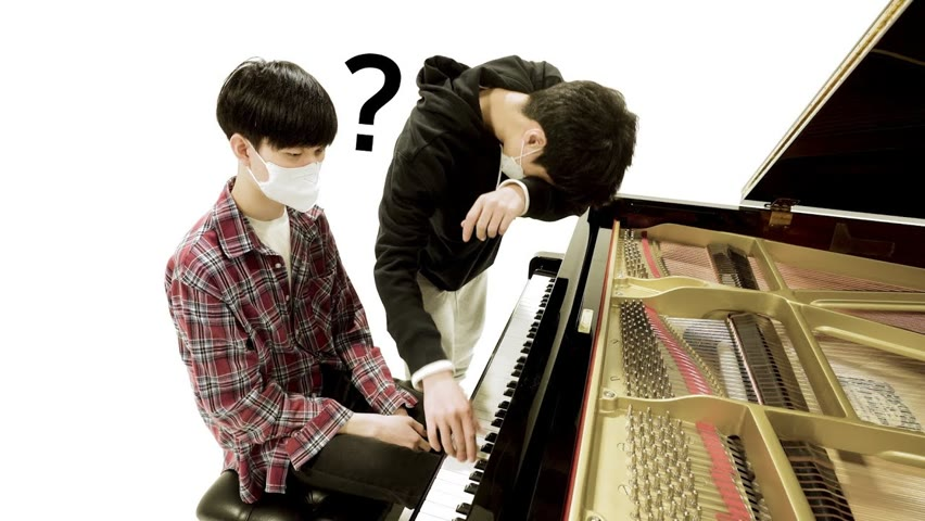 피아노로 아무음이나 쳐주면 즉흥으로 연주하는 남학생 주크박스 ㄷㄷ (이은율 in MIL STUDIO)