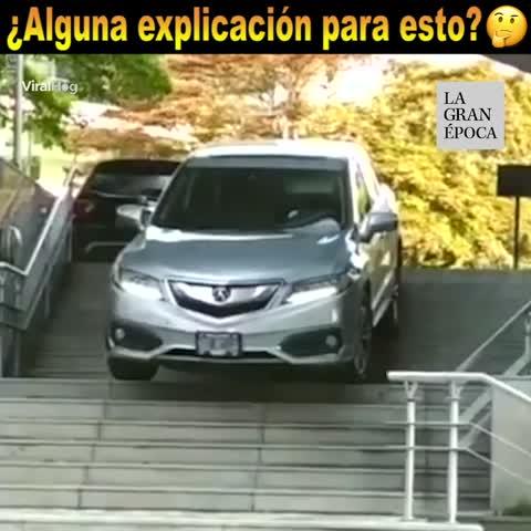 El conductor toma un desvío accidentado