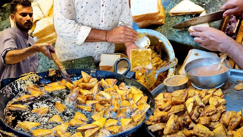 Chatpata Bread Pakora   Potato Sandwich Recipe   Aloo Pakora Street Food Karachi Pakistan