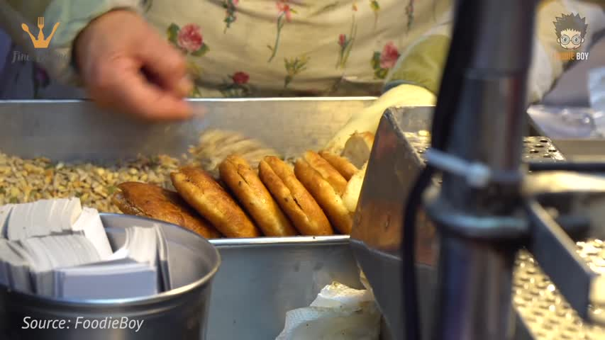 Ssiat Hotteok(Sweet Korean Pancake with Seeds) - Korean Street Food