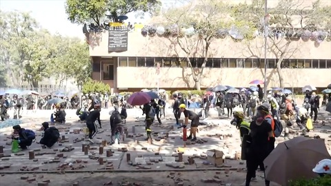 Hong Kong Police Escalate Aggression in Violent Clashes at University Campus 2