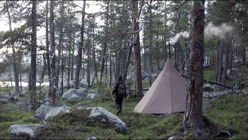 Bushcraft trip - northern pike fishing, how to, getting food for basecamp, spinning rod, hot tent