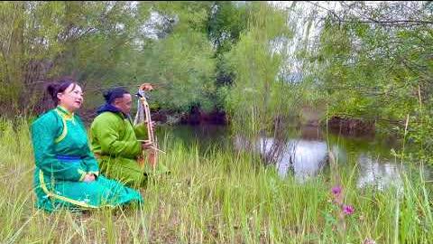 Mongolian long song Enkh mendiin bayar , singer Bolormaa Enkhtaivan