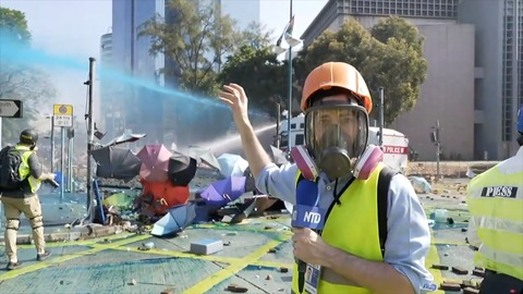 Hong Kong Police Escalate Aggression in Violent Clashes at University Campus 3