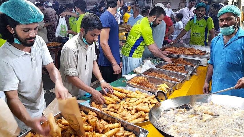 Biggest IFTAR Street Food of Pakistan | Crazy Rush Before Iftar | RAMADAN SPECIAL |
