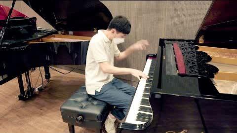 피아노 전시장에서 천본앵 즉흥 미친 속주 ㄷㄷ