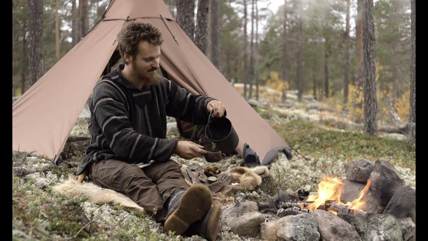 Bushcraft trip - hot tent, gathering chaga and berries, making a cutting board, reindeer skin etc.