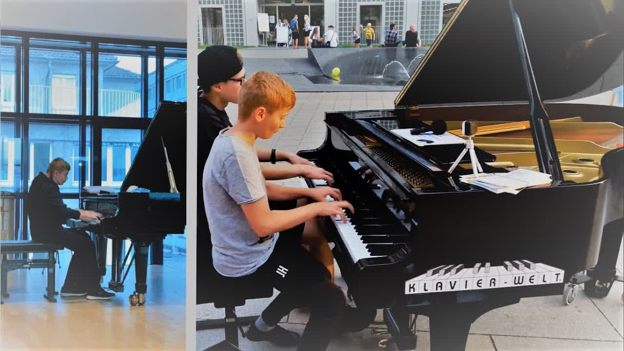 Fast Jazz Piano Duet at Youth competition and in public - Jacob & Mikka Hack