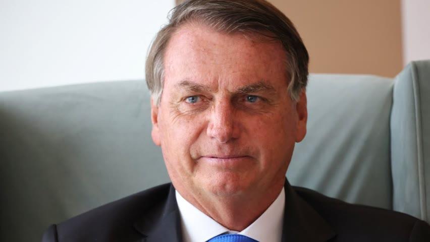 Президент Бразилии усомнился в эффективности вакцины от COVID