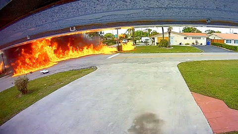 Fire and aftermath of small plane crash in Florida