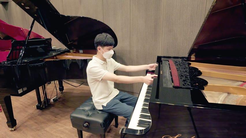 피아노 매장에서 카트라이더 브금 대저택 즉흥으로 치는데 레전드 나옴 ㄷㄷ
