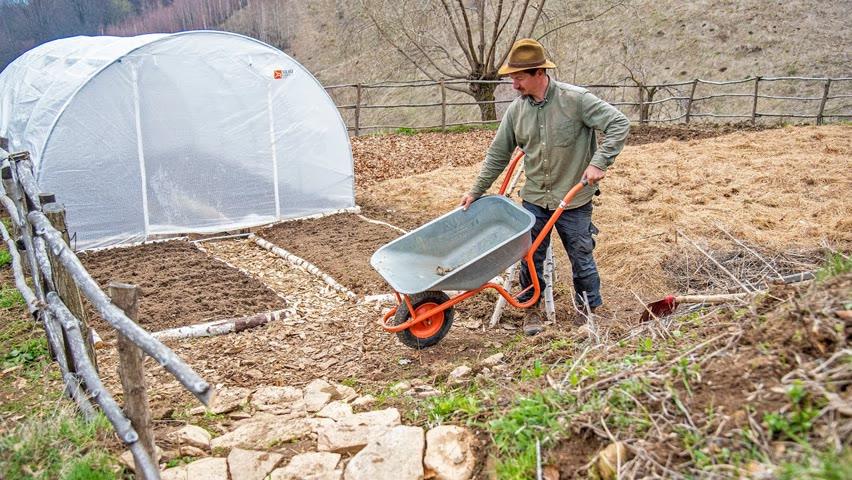 GRĂDINĂRITUL LA MUNTE   Cum am organizat grădina