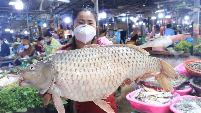 Market show, Yummy Fresh river fish cooking with Sreypov / Steamed fish and sweet fish sauce recipe